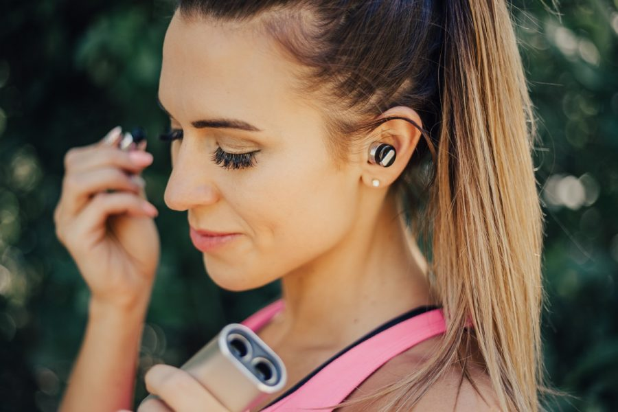 Schatzii Bullet 2.0: Completely Wireless Headphones For On The Go