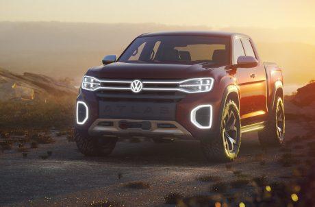 VW Atlas Tanoak Front Banner