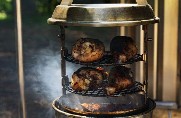 SnowPeak SmokeMiester Barbecue Smoker